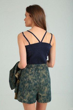 Юбка мини Рост: 164 см. Состав ткани: вискоза 87%, нейлон 13% Стильная юбка-шорты на притачном поясе с застежкой на пуговицы спереди. Модель сочетает в себе женственность юбки и удобство и практичност