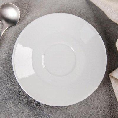 Посуда . Сервировка стола  — Посуда. Сервировка стола. Столовая посуда. Блюдца — Посуда