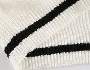 Женский свитер с V-образным вырезом, цвет молочный