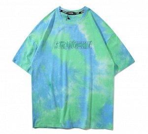 """Футболка унисекс, надпись """"Strangekin"""", надписи на спине, цвет голубой/зеленый"""