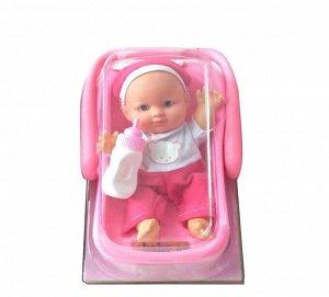 """Пупс """"Мой малыш"""" с бутылочкой в переноске, 23см, в бело-розовом комбинезончике599"""