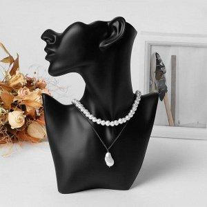 Бюст для украшений, пол-лица, отверстие под серьгу, 18*5*26 см, цвет чёрный