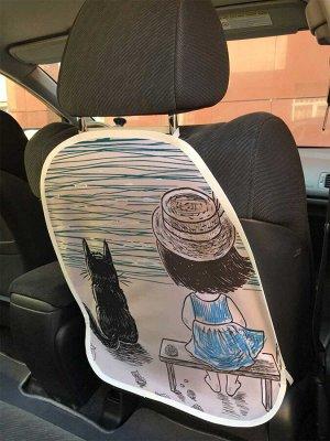 Универсальный чехол-накидка на автокресло «Девочка с котом на берегу реки»