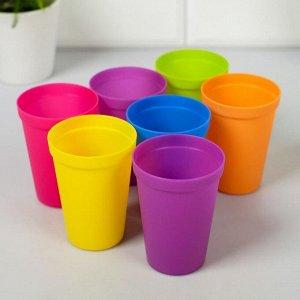 """Набор пластиковых стаканчиков """"Кто знает толк в тусовках"""", 7 шт"""
