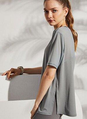 Женская спортивная футболка, сетчатые вставки/разрез, цвет черный