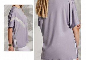 Женская спортивная футболка с полосками/разрезом, цвет сиреневый