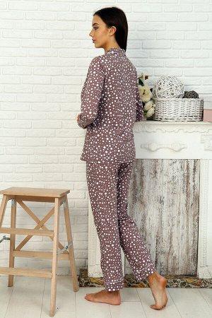 Пижама Бренд Натали. Ткань: кулирка  Состав: Хлопок 100%  Пижама женская состоит из куртки прямого силуэта с накладным карманам на груди и английским воротником и брюк прямого свободного покроя с двум