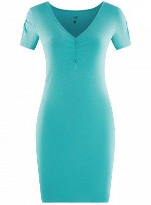 Платье облегающего силуэта с V-образным вырезом