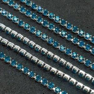 Цепь стразовая, оправа латунная серебристая, стразы хрустальные, р-р 2мм, цвет голубой, в 5см. 20 страз (густая).