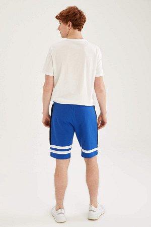 шорты Размеры модели: рост: 1,87 грудь: 93 талия: 80 бедра: 102 Надет размер: M  Хлопок 60%, Полиэстер 40%
