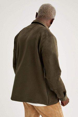 рубашка Размеры модели: рост: 1,88 грудь: 95 талия: 70 Надет размер: M Elastan 10%, Полиэстер 90%