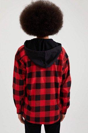 рубашка Размеры модели: рост: 1,87 грудь: 95 талия: 73 бедра: 93 Надет размер: M  Хлопок 47%, Вискоз 3%, Полиэстер 50%
