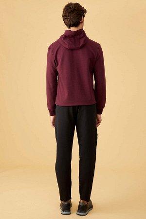 брюки Размеры модели: рост: 1,86 грудь: 96 талия: 82 бедра: 92 Надет размер: размер 30 - рост 32 Elastan 15%, Полиэстер 85%
