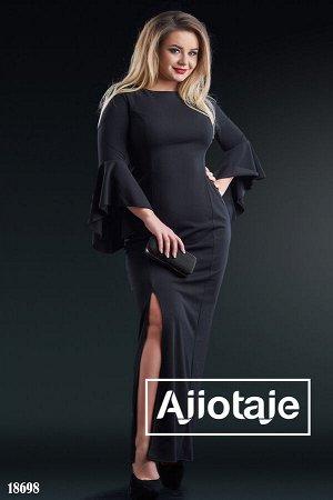 Платье в пол черного цвета с высоким разрезом