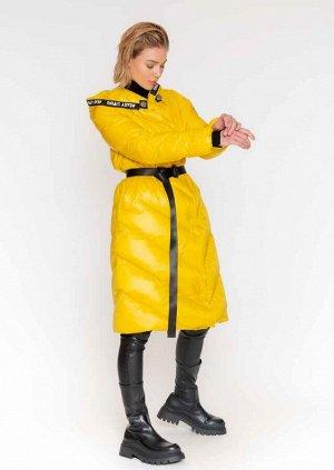 Пуховик Изготовлен из легкого, универсального нейлона, высокой плотности, культового пуховика сезона зима 2021 • застежка спереди с кнопками, прошитыми вручную • фиксированный капюшон с костюмной тесь
