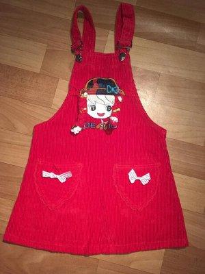 Сарафан Стильный вельветовый сарафан, декорированный аппликацией, накладными карманами, придётся по душе любой юной моднице!  100% хлопок. Лямки регулируются по высоте. Подойдёт примерно на 3-4 года.