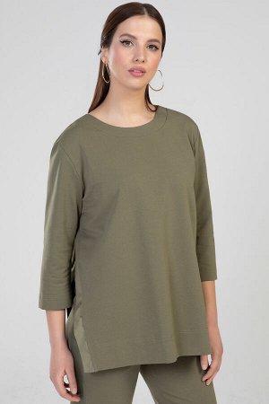 5281 Блуза Блуза женская прямого силуэта, без боковых швов. Горловина круглая, рукав втачной, длинный. Перед и спинка с притачными планками из тонкой плащевой ткани в тон основного сырья. Цвет хаки.