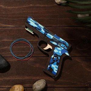 Сувенир деревянный «Резинкострел, синий камуфляж» + 4 резинки
