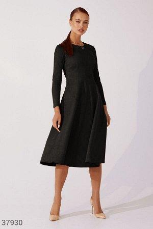Черное платье из замши