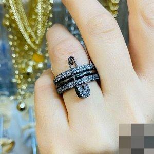 Кольцо Камни- цирконы Можно носить вместе, также и по отдельности Покрытие- титан, не чернеет, не портит вид!!! Идёт в комплекте мешочек для хранения