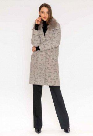 пальто Теплое и удобное длинное пальто выполнено из шерстяного трикотажа, съемный воротник из енота, без подклада