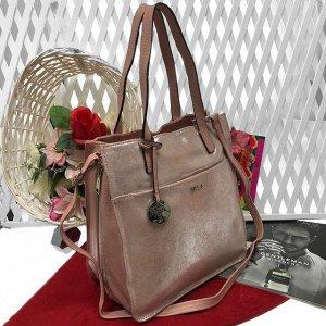 Роскошная сумка Diamond_Molecule из натуральной кожи с лазерной обработкой золотисто-пудрового цвета.