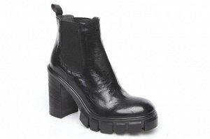 Ботинки Форма 990 Форма новая. Со слов фабрики, идет в размер. Комфорт. Каблук 10 см и платформа 2 см.