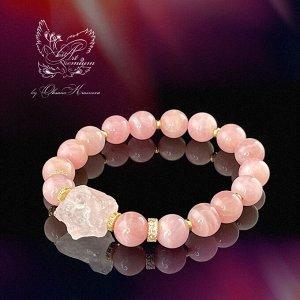 Браслет из мадагаскарского розового кварца премиум качества с крупным неограненным кристаллом бразильского розового кварца