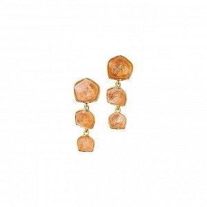 Материал: латунь, натуральный жёлтый кварц, латунное покрытие. Застёжка-скоба. Размер серьги: 4 х 1,5 см.* Серьги «Вдохновляющий кварц»