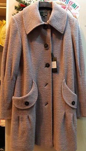 Пальто Супер скидка . Стоило 3000 80%шерсть , 20%па.Подкладка 100% полиэстер