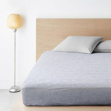 НОЧЬ НЕЖНА красивый домашний текстиль. Россия — Простыни на резинке ширина 140-200см — Простыни на резинке