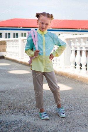 Блуза №9 Коллекция: RUBASHKA Материал: 65% полиэстер, 35% хлопок Возраст: младшая школа Блуза для девочки полуприлегающего силуэта. Блуза изготовлена из двух цветов хлопка, верхняя часть блузы зеленог