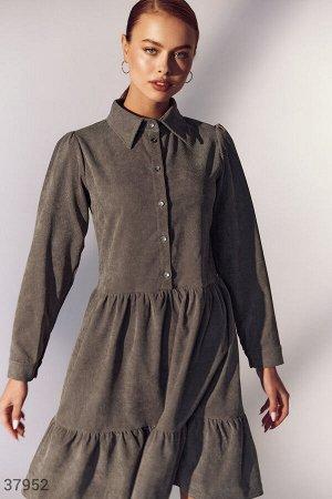 Вельветовое платье рубашечного кроя