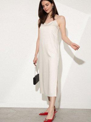 Платье Состав ткани: 65% Хлопок; 32% Вискоза; 3% Эластан Длина: 106 См. Описание модели Платье длины миди из капсульной коллекции New Year. Модель молочного цвета оснащена регулируемыми бретельками. Б