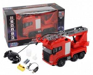 """Пожарная машина р/у """"BeBoy"""" 36см с заряд уст-вом и бат., стреляет водой, движ. во всех направл., кор"""