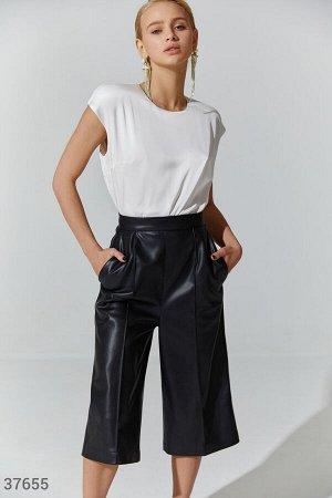 Удлиненные кожаные шорты