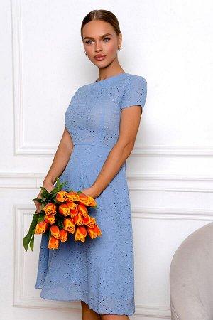 Платье Размер: 42 / 44 / 46 Воздушное платье похоже на весеннее облачко, бледно-василькового цвета с лёгким шитьём для самых романтичных, чувственных и нежных натур! Состав 100 % хлопок Отличная по