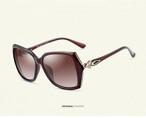 """Женские солнцезащитные очки стрекоза в защитном чехле с надписью """"Veithdia"""", коричнево-красные линзы, коричнево-красная оправа, коричнево-красные дужки с декоративным золотым элементом на шарнире"""