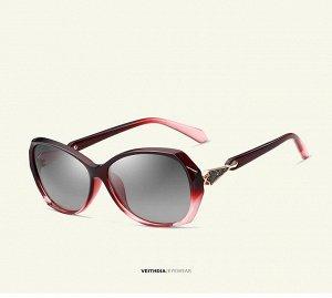Женские солнцезащитные очки стрекоза в защитном чехле, розовые линзы, розовая оправа, дужки с интересным декоративным элементом