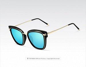 """Женские солнцезащитные очки в защитном чехле с надписью """"Veithdia"""", синии линзы, черная оправа с золотистым декором, золотые дужки, черные заушники"""