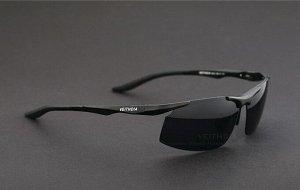 """Мужские спортивные солнцезащитные очки в защитном чехле с надписью """"Veithdia"""", темно-серая линза, черная оправа и дужки, черные заушники"""