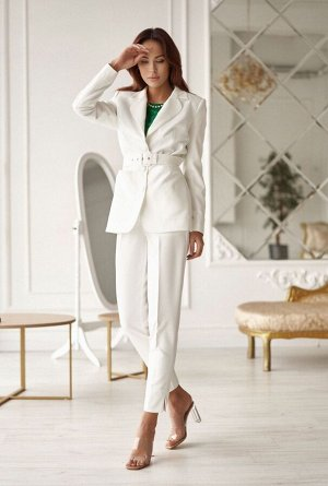 Жакет Жакет Vesnaletto 2610-1  Состав ткани: Вискоза-30%; ПЭ-65%; Спандекс-5%;  Рост: 164 см.  Жакет удлиненный, прилегающего силуэта, выполнен из костюмной ткани, на подкладке. Жакет с отложными лац