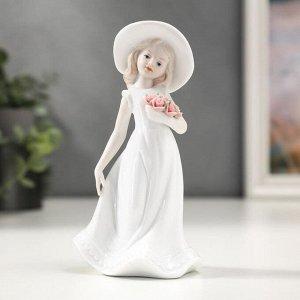 """Сувенир керамика """"Девочка с цветами и в шляпке"""" 15,2х8,5х7 см"""