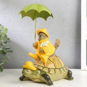 """Сувенир полистоун """"Воробей в дождевике с зонтом, на черепахе"""" 21,5х16,5х11,5 см"""