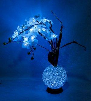 Орхидея Искусственный цветок «Орхидея » со встроенными светодиодами прекрасно дополнит интерьер в вашем доме. Днем экзотическая орхидея будет служить превосходным украшением вашего интерьера, а в вече