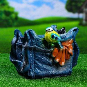 """Фигурное кашпо """"Синичка на сумке"""""""