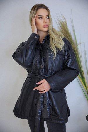 Куртка Крутая объёмная весенняя куртка В комплекте с поясом Ткань: болонья Параметры модели: размер 40-42, рост 173 см.