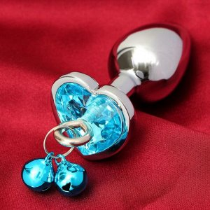 Анальная втулка с голубым кристаллом в вирме сердца и колокольчиками