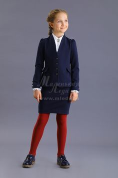 Жакет,трикотаж костюмный ,по бокам карманы обманки  м.Леди