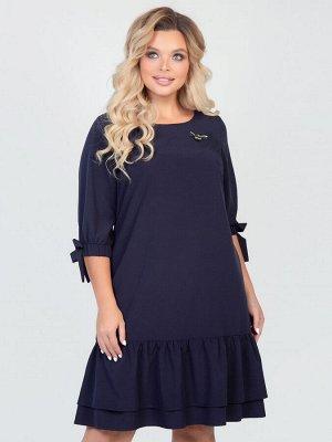 Платья Платье А-образного силуэта, выполнено из костюмной ткани . - однотонная расцветка - вырез горловины круглый на внутренней обтачке - втачные рукава длиной 3/4, на манжетах с резинкой и завязкам